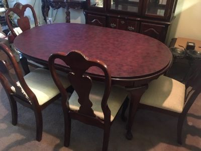 8pc Dining Set- great condition