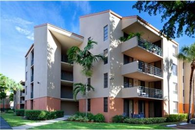 2 bedrooms - New Barn Apartments is located in Miami Lakes.