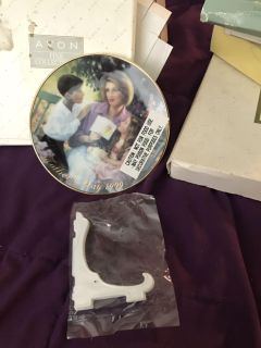 Avon Mother s Day plate 1999