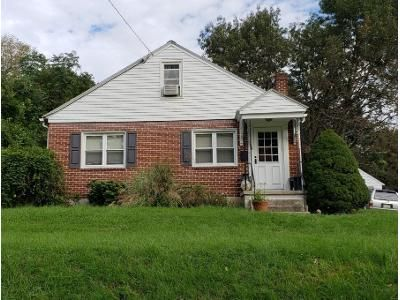 2 Bed 1 Bath Preforeclosure Property in Columbia, PA 17512 - Manor St