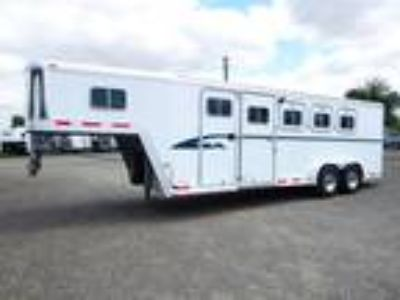 1998 Featherlite Trailers 7406 Living Quarters 4 Horse 4 horses