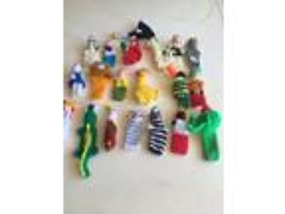 Lot of 20 Hand Knit Finger Puppets. Assorted, Monkey