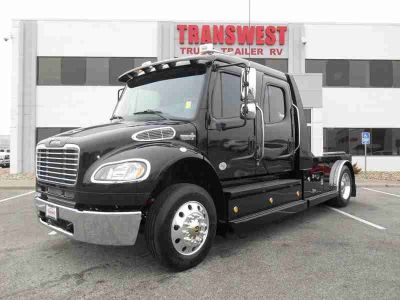 2018 Freightliner Business Class M2 106