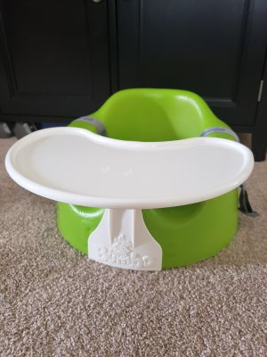 Bumpo seat with straps and tray