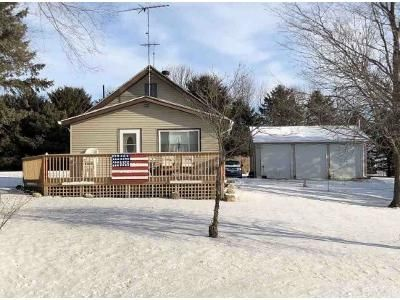 3 Bed 1 Bath Foreclosure Property in Le Center, MN 56057 - Wild Creek Rd