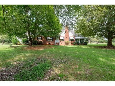 3 Bed 1.5 Bath Foreclosure Property in Greensboro, NC 27406 - Liberty Rd