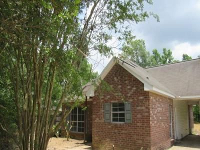 3 Bed 2 Bath Foreclosure Property in Denham Springs, LA 70706 - Reinninger Rd
