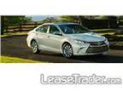 2017 Toyota Camry SE Lease