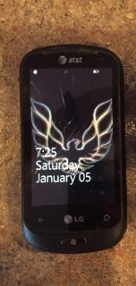 LG windows phone with charger, works with wifi & cracked screen