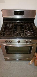 "Frigidaire 30"" Stainless steel gas convection oven"
