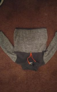 Boys 2t jumping beans sweater with zipper blk and Grey