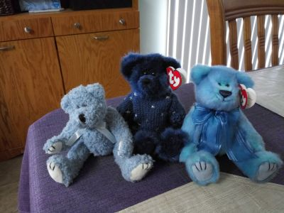 Lot of 3 retired 1993 TY bears