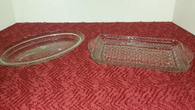 Small serving dishes excellent Condition