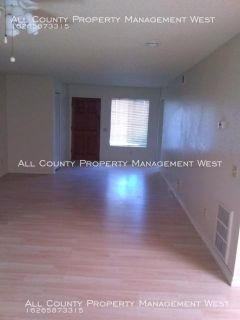 Nice, Large 1bed/1bath Townhouse style apartment in Upland