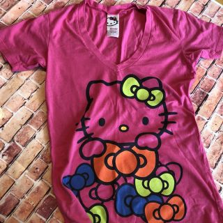 Small Hello Kitty Pink T