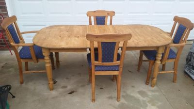 German / Solid Pine / 6 Piece Dining Table Set