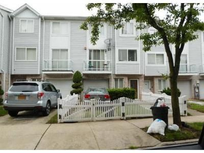 2 Bed 1.5 Bath Foreclosure Property in Staten Island, NY 10306 - Corona Ave