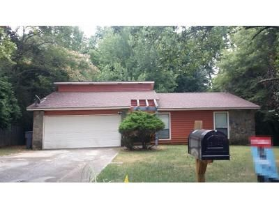 3 Bed 2 Bath Preforeclosure Property in Charlotte, NC 28212 - Cricklewood Ln