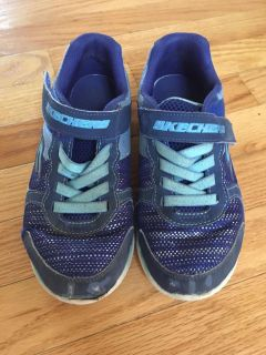 Size 3 gym shoes