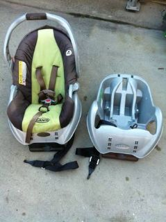 Graco SnugRide Infant Car Seat w extra Basegreen  brown 2011