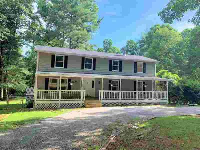 680 Lenoir Ln HARDY Five BR, 4.96 acres with 2 story country