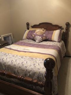 $reduced$ Full or queen bed and optional comforter set