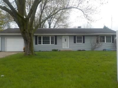 3 Bed 2 Bath Preforeclosure Property in Cortland, IL 60112 - W Benson Ave