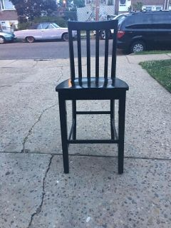 Set of 4 chairs bar stool high great condition