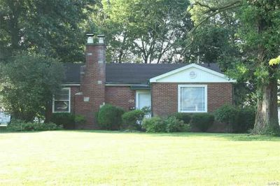 120 Orchard Drive BELLEVILLE Two BR, An beautiful full brick