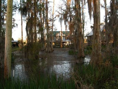 9733Waterfront--Luxury Vacation Home--BAYOU FEVER (Morgan City)