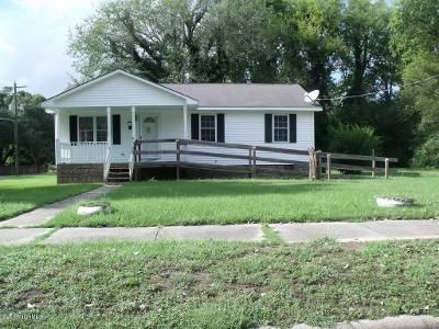 3 Bed 2 Bath Foreclosure Property in Tarboro, NC 27886 - E Saint James St