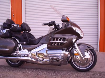 2009 Honda GL1800 ABS w/Navigation---LOW MILES