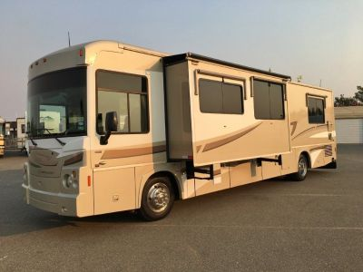 2008 Winnebago Destination 39W Pusher