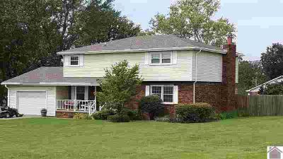 5726 Harris Road Paducah Three BR, Outstanding home in