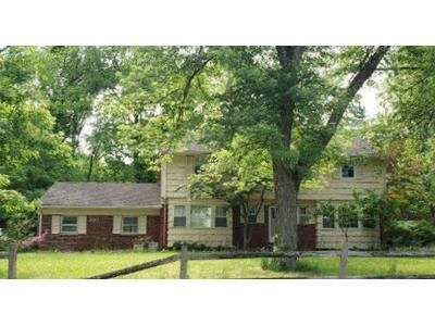 4 Bed 2.5 Bath Foreclosure Property in Haworth, NJ 07641 - Schraalenburgh Rd