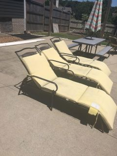 FREE 6 lounge chairs - pick up in White House