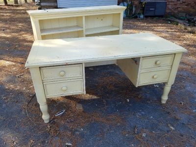 Solid wood, cream/pale yellow desk with bookshelf hutch