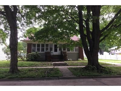Preforeclosure Property in Tuscola, IL 61953 - E Pembroke St
