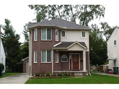 3 Bed 2 Bath Preforeclosure Property in Berkley, MI 48072 - Catalpa Dr