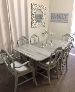 FLASH SALE LONG WEEKEND ONLY VINTAGE DINING ROOM SET WAS $899 NOW $499