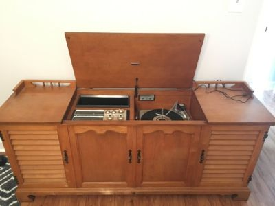 Zenith record player stereo cabinet
