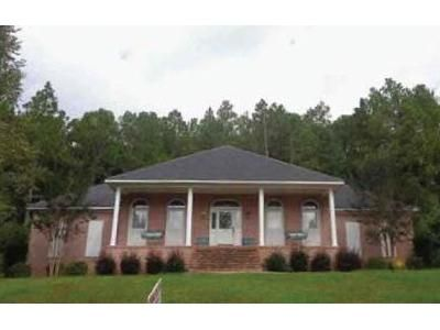 3 Bed 2 Bath Foreclosure Property in Jackson, AL 36545 - Golf View Dr
