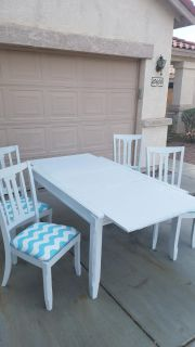 Table and 4 chairs OBO! NEED GONE, MOVING.