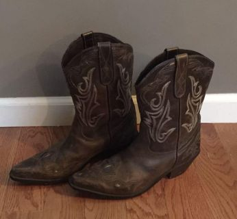 Sonora mid calf boots 9.5