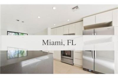 Miami - Modern three bedroom town home.