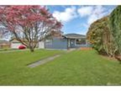 Puyallup Real Estate Home for Sale. $275,000 2bd/One BA. - Julie Mayer of