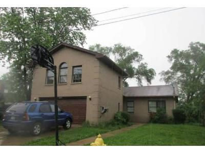 4 Bed 3 Bath Foreclosure Property in Melrose Park, IL 60164 - W Palmer Ave
