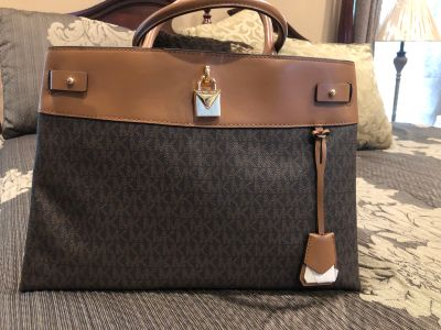 Genuine Michael Kors Gremacy Handbag