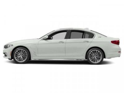 2019 BMW 5-Series 530e xDrive iPerformance (Alpine White)
