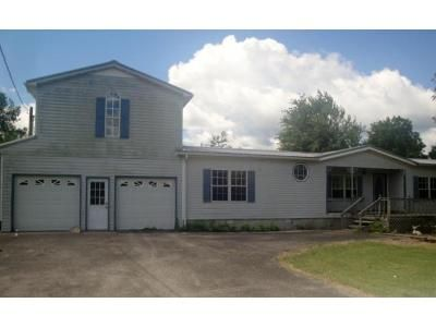 3 Bed 2 Bath Foreclosure Property in Gainesboro, TN 38562 - Sheldon Young Ln